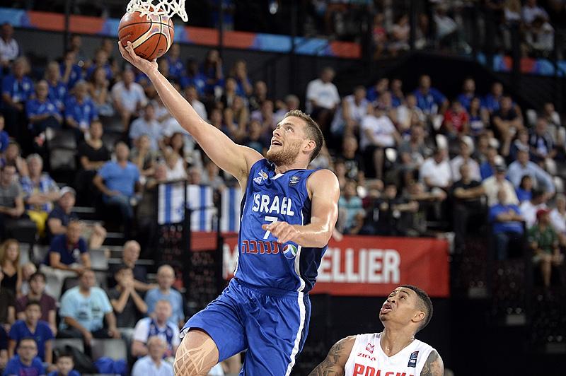 ישראל בשמינית הגמר אחרי 73-75 על פולין
