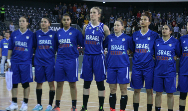 גלריית תמונות מהניצחון הענק של נבחרת הנשים ברומניה