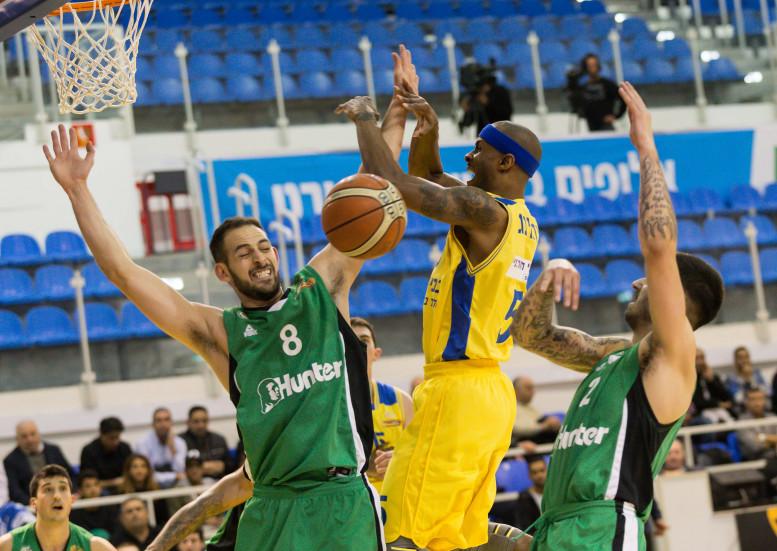 מכבי אשדוד היא העולה השנייה לחצי גמר גביע המדינה ווינר סל