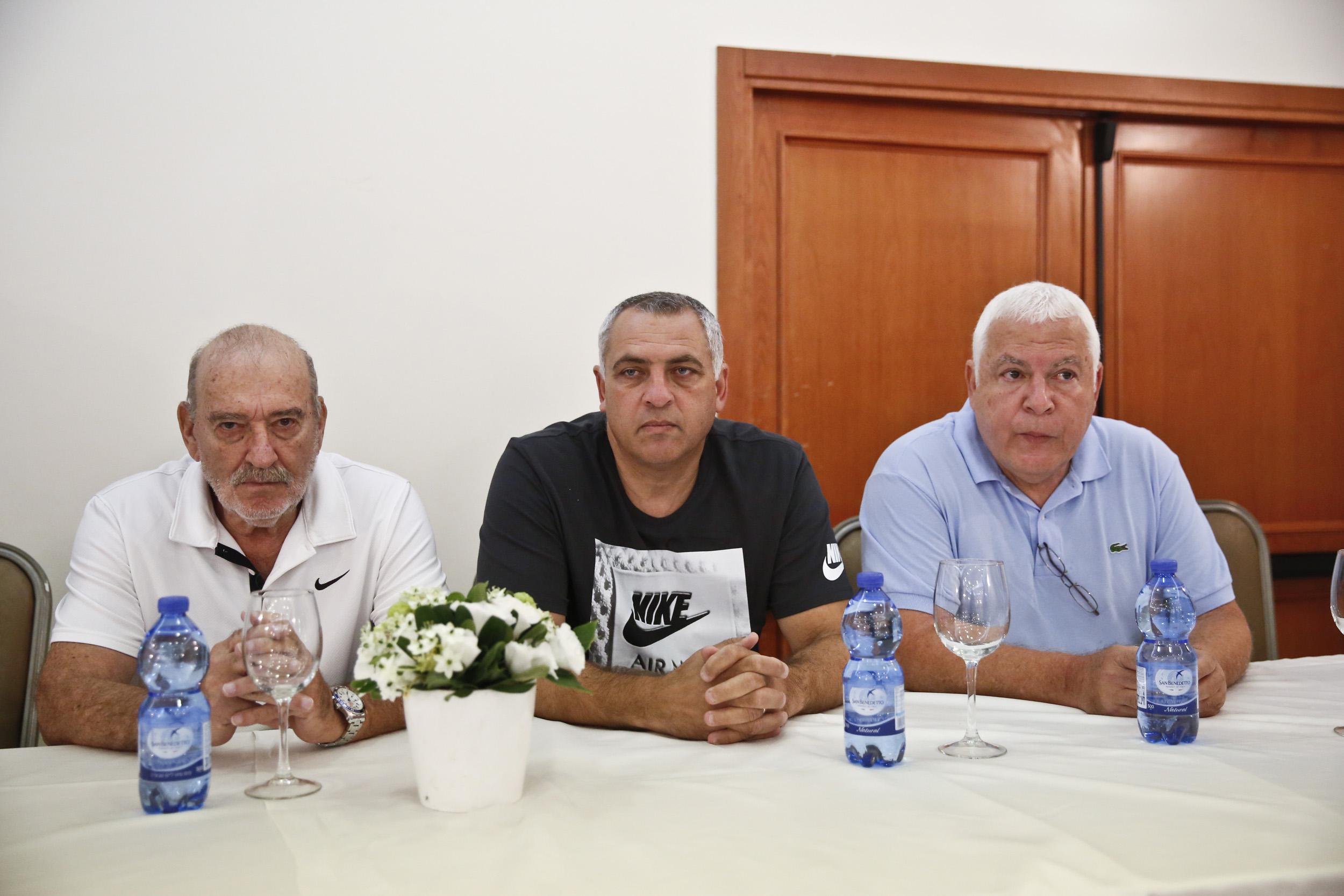 """פיני גרשון ומאמנים צעירים יצאו להשתלמות בסרביה. אברהמי חיפש שחקנים יהודים בארה""""ב"""