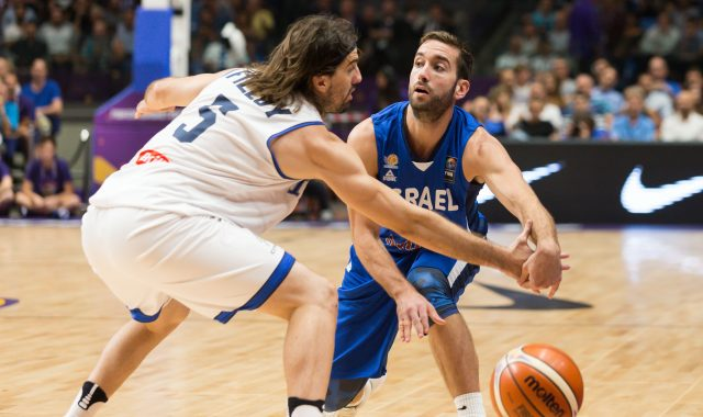 גלריה ממשחק הפתיחה של היורובאסקט של נבחרת ישראל נגד איטליה