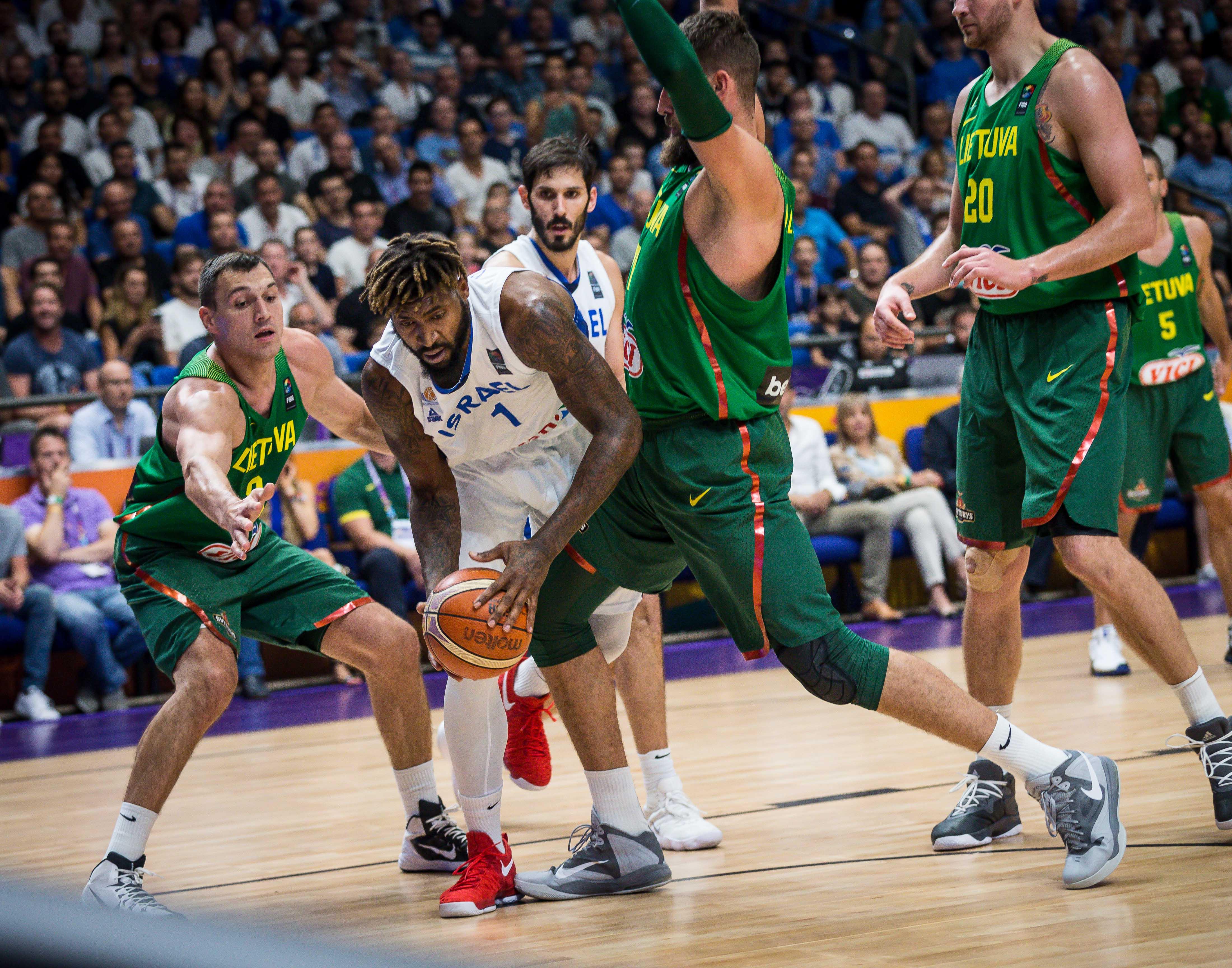 ישראל הפסידה לליטא 88-73, וירדה למאזן של 2-0