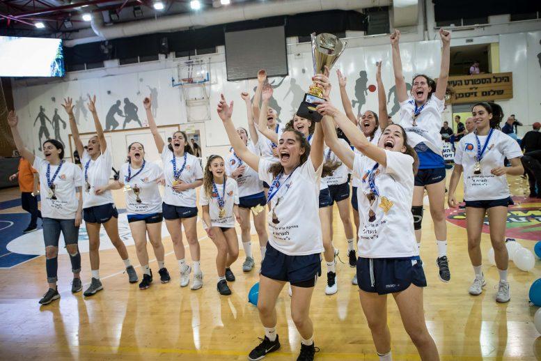 גמר גביע המדינה לנערות: מכבי רעננה הביסה את גלבוע/מעיינות 38-61 וזכתה בגביע