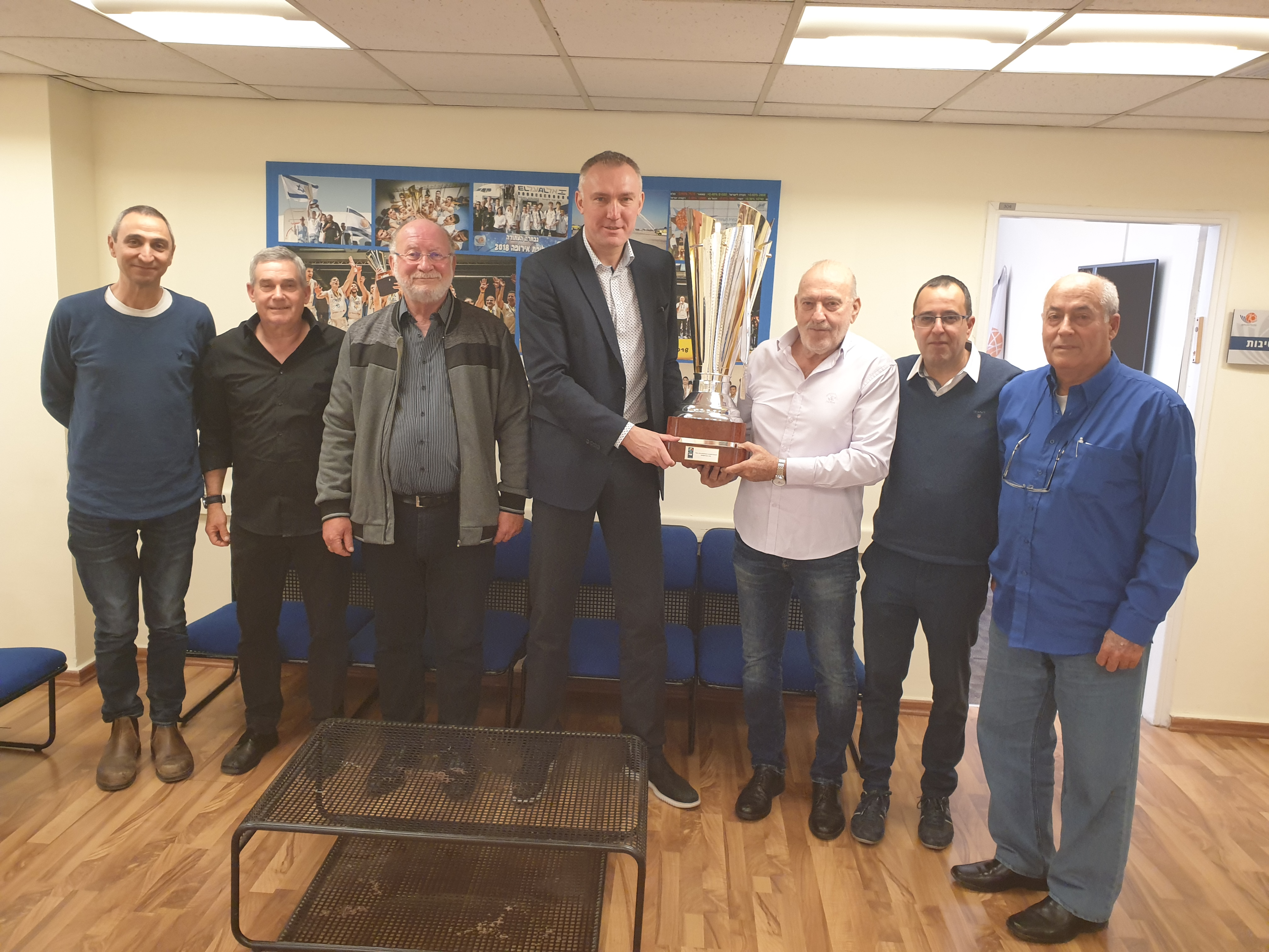 קאמיל נובאק ביקר באיגוד הכדורסל