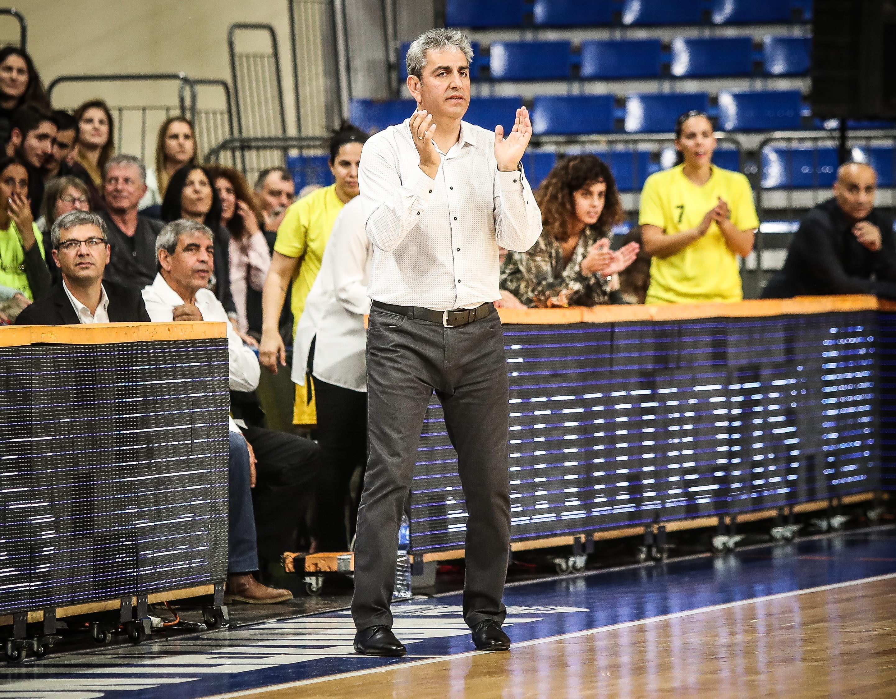 אלי רבי חוזר לעמדת המאמן הראשי של נבחרת ישראל