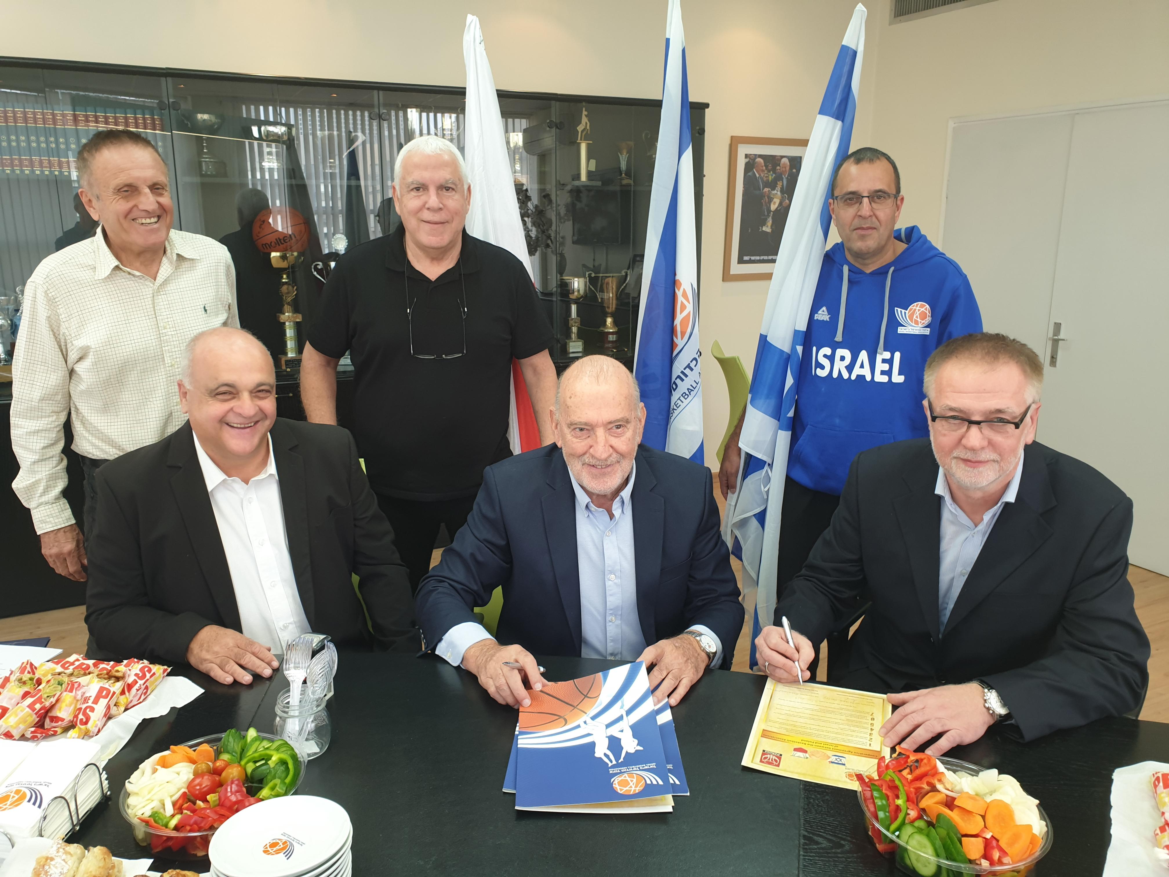 נחתם הסכם שיתוף פעולה עם איגוד הכדורסל הפולני